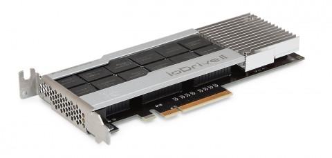 図1 Fusion-ioの「ioDrive2」。PCI Express接続の拡張カード上にフラッシュメモリ素子が配置されている