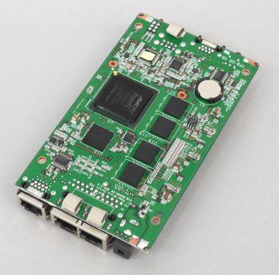 写真11 OpenBlockS 600の基板裏面