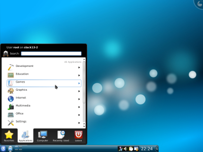 図14 デフォルトのデスクトップ環境はKDE 4.2.4となる