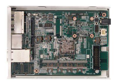 図6 OpenBlocks AX3イーサ2ポートモデルではSO-DIMMメモリスロットやmini-PCI Expressスロットなどが実装されていない